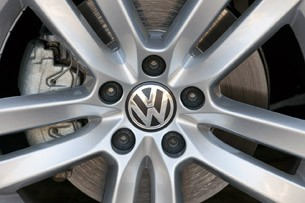 2013 Volkswagen CC wheel detail