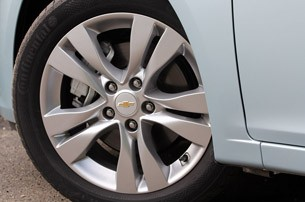 2012 Chevrolet Cruze Wagon wheel
