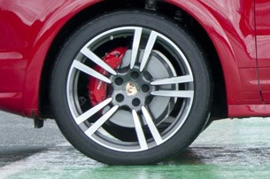 2013 Porsche Cayenne GTS wheel