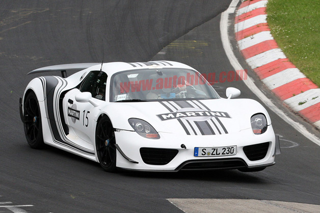 Porsche 918 Spyder in Martini livery spy shot