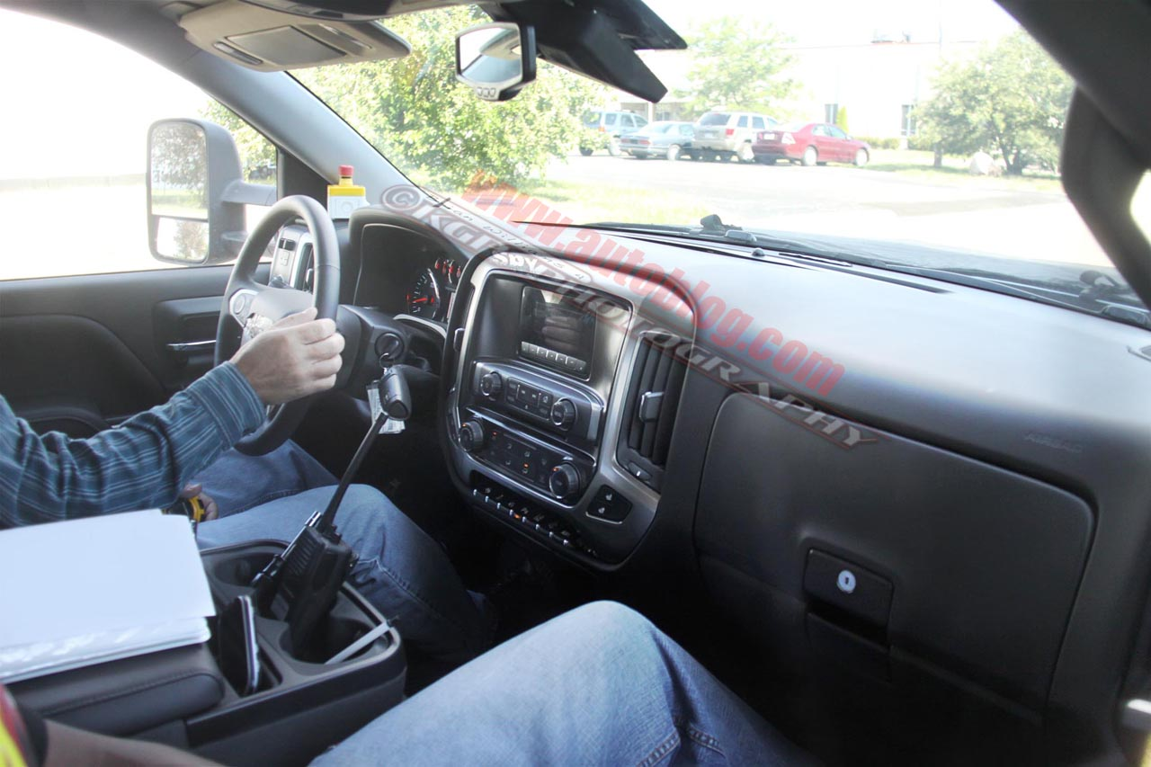 More 2014 Silverado Spy Shots This Time With Interior Shot Truck Forum Truck Mod Central