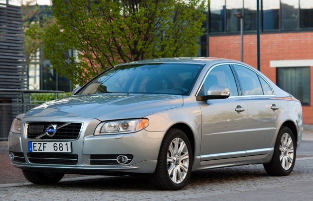 Volvo S80 - silver - front three-quarter view