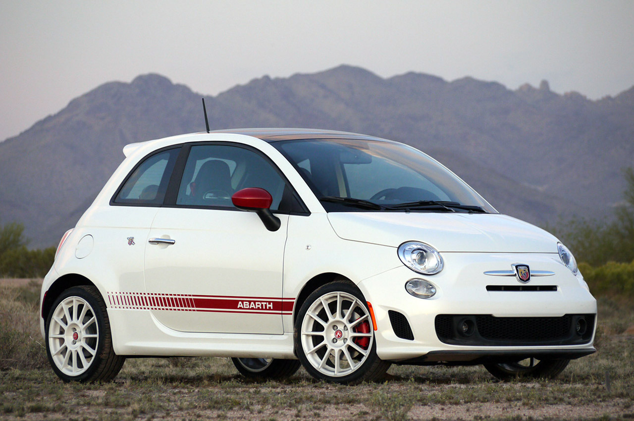 fiat 500 abarth to get automatic transmission option autoblog. Black Bedroom Furniture Sets. Home Design Ideas