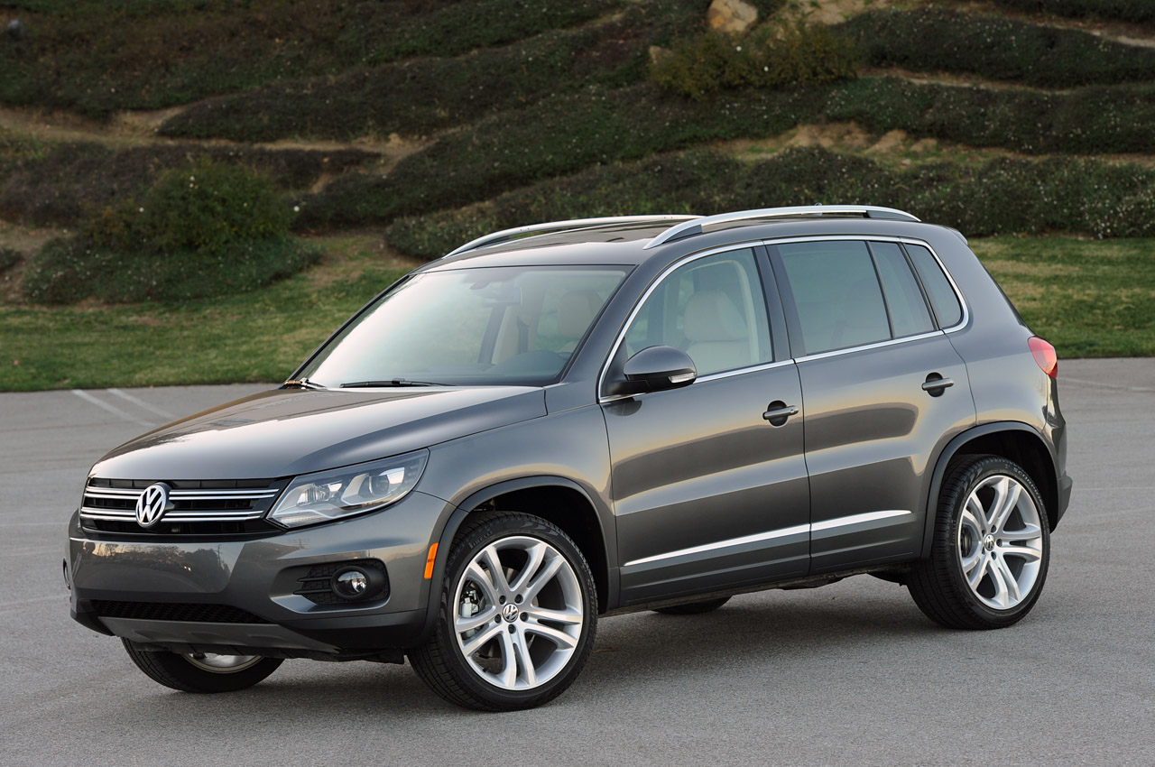 2012 volkswagen tiguan review photo gallery autoblog. Black Bedroom Furniture Sets. Home Design Ideas