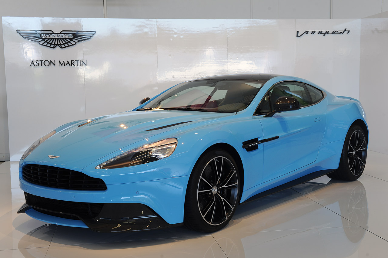 2013 aston martin vanquish is a rhapsody in blue w video. Black Bedroom Furniture Sets. Home Design Ideas