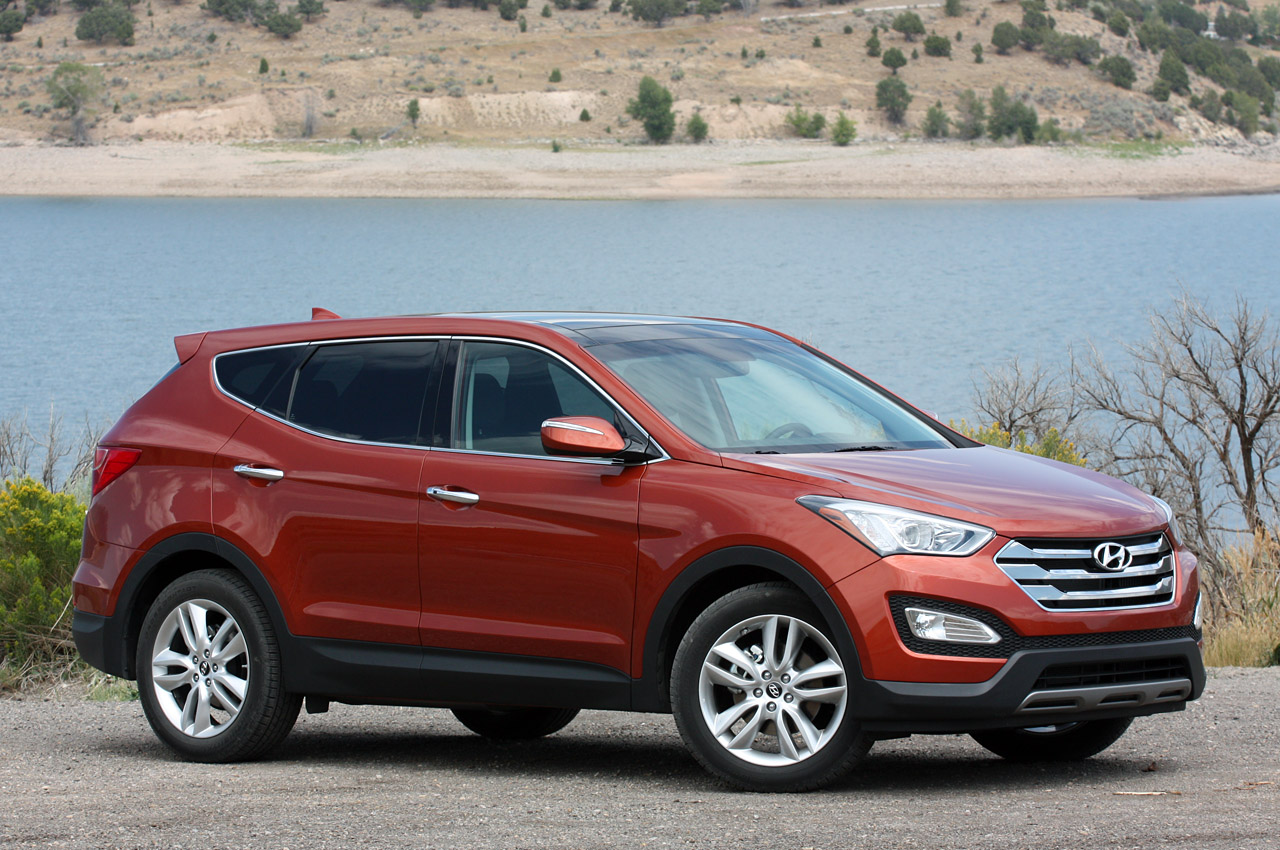 2013 hyundai santa fe sport first drive autoblog. Black Bedroom Furniture Sets. Home Design Ideas