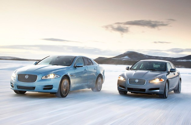 2013 Jaguar XF Base Sedan Wallpapers and specs