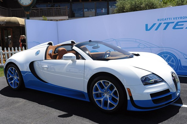 bugatti veyron 16 4 grand sport vitesse is the same bug with new paint. Black Bedroom Furniture Sets. Home Design Ideas