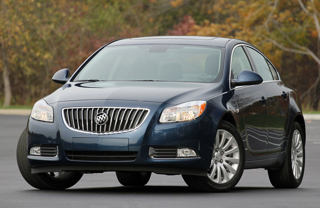 2013 buick regal gets sizable price hike thanks to. Black Bedroom Furniture Sets. Home Design Ideas