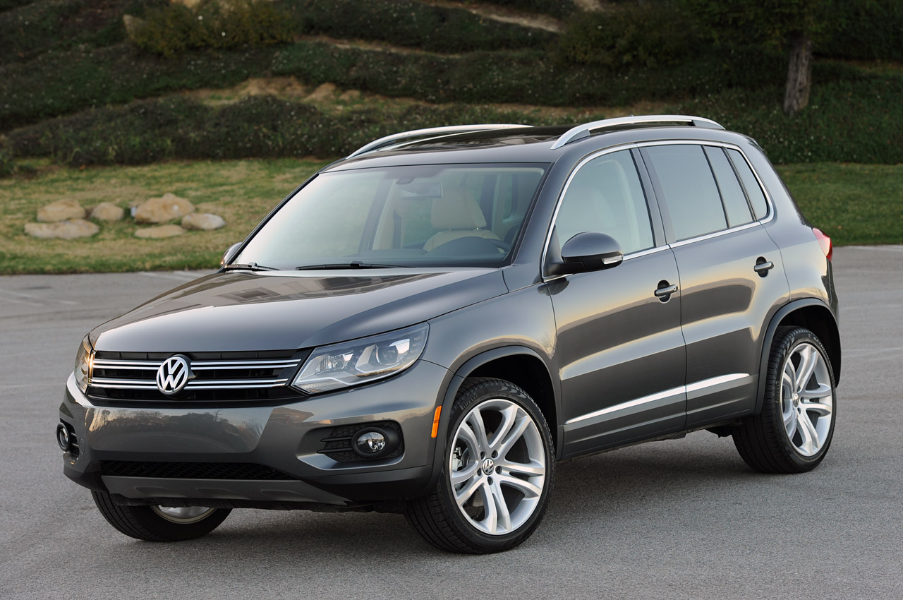 2012 volkswagen tiguan autoblog. Black Bedroom Furniture Sets. Home Design Ideas