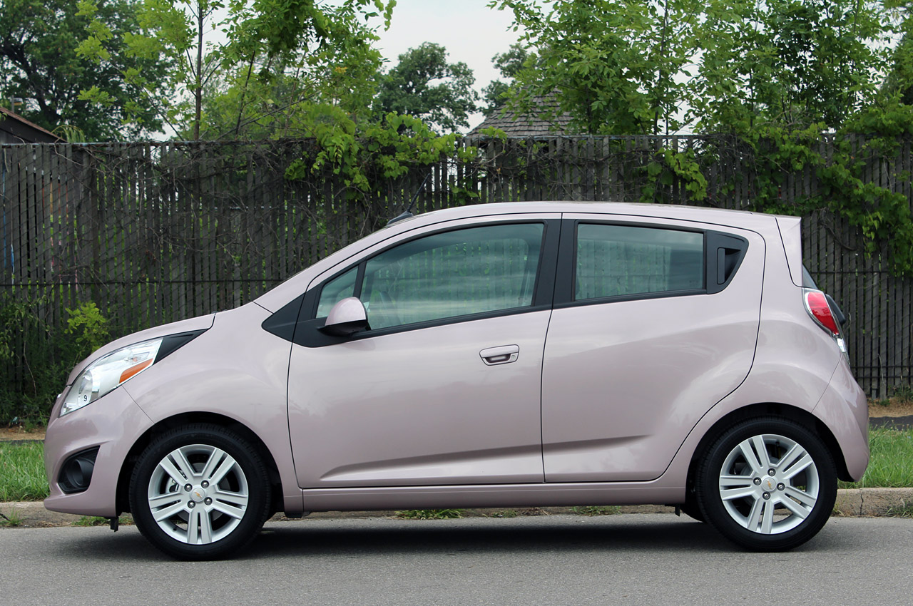 2013 chevrolet spark first drive photo gallery autoblog. Black Bedroom Furniture Sets. Home Design Ideas