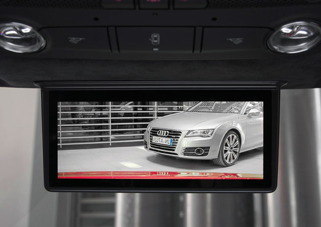 Audi R8 etron digital rearview mirror screen
