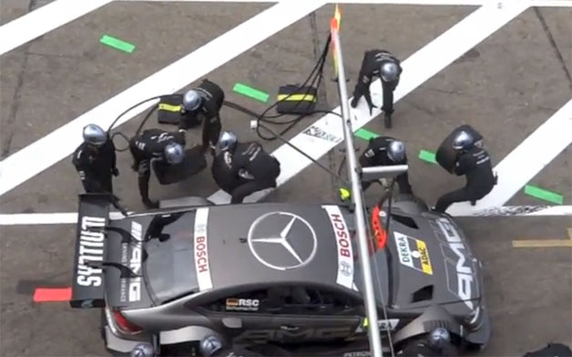 Mercedes-Benz DTM pit accident in Zandvoort