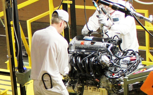 Honda engine plant workers assemble new Earth Dreams engines