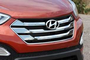 2013 Hyundai Santa Fe Sport grille