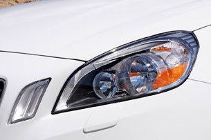 2013 Volvo S60 T5 AWD headlight