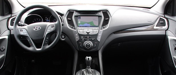 2013 Hyundai Santa Fe Sport interior