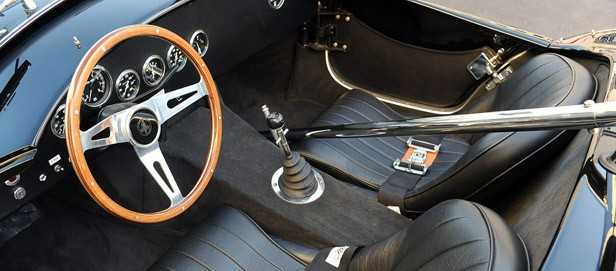 Shelby Cobra 289 FIA interior