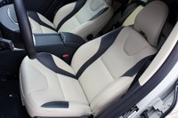 2012 Volvo XC60 R-Design front seats