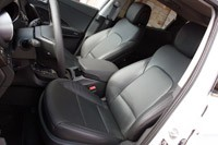 2013 Hyundai Santa Fe Sport front seats