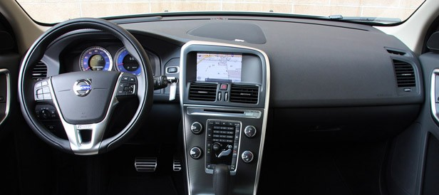 2012 Volvo XC60 R-Design interior