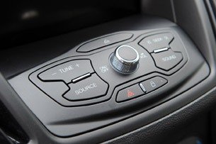 2013 Ford C-Max Hybrid multimedia system controls