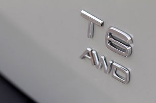 2012 Volvo XC60 R-Design badge