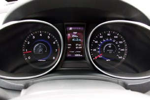2013 Hyundai Santa Fe Sport gauges