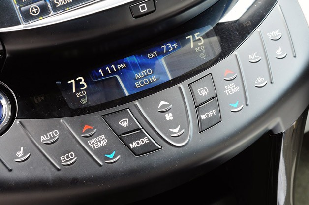 2013 Toyota RAV4 EV climate controls
