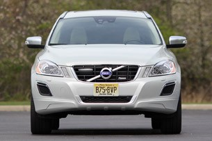 2012 Volvo XC60 R-Design front view