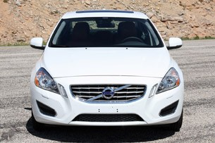 2013 Volvo S60 T5 AWD front view