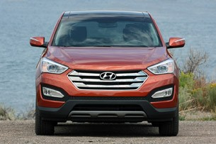 2013 Hyundai Santa Fe Sport front view