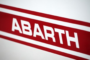 2012 Fiat 500 Abarth graphics
