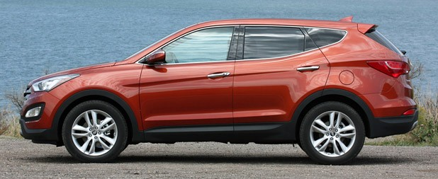 2013 Hyundai Santa Fe Sport side view