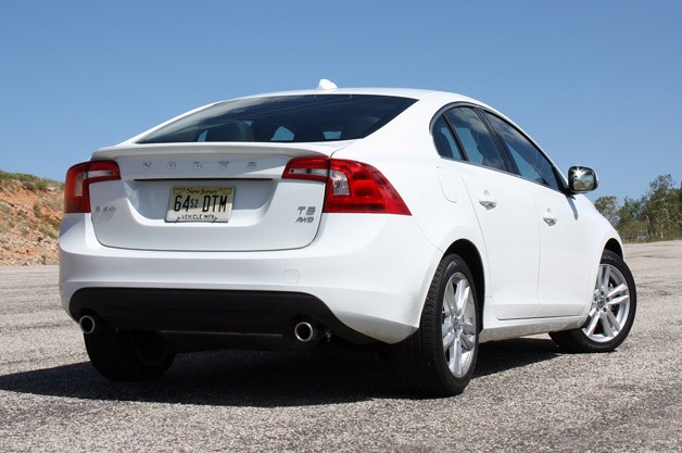 2013 Volvo S60 T5 AWD rear 3/4 view