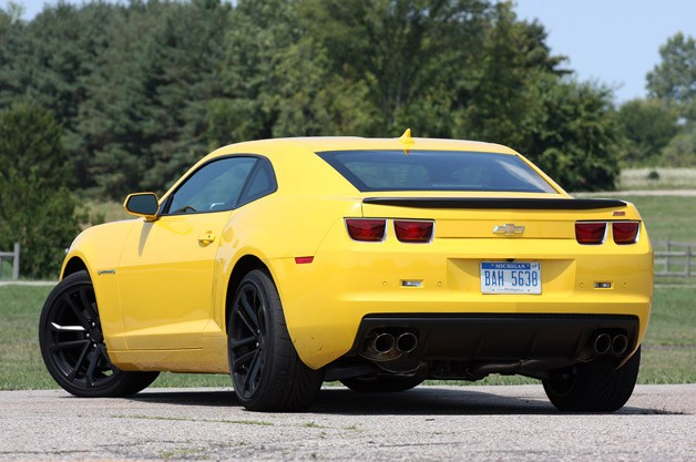 2013 Chevrolet Camaro 1LE rear 3/4 view