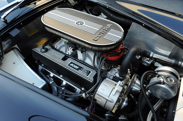 Shelby Cobra 289 FIA engine