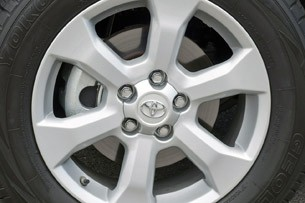 2013 Toyota RAV4 EV wheel