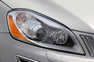 2012 Volvo XC60 R-Design headlight