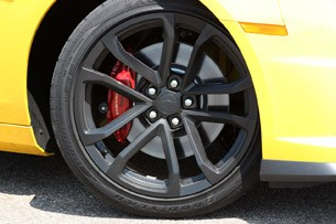 2013 Chevrolet Camaro 1LE wheel
