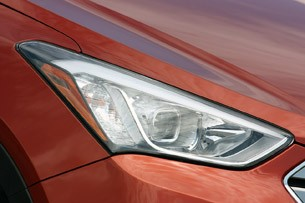 2013 Hyundai Santa Fe Sport headlight