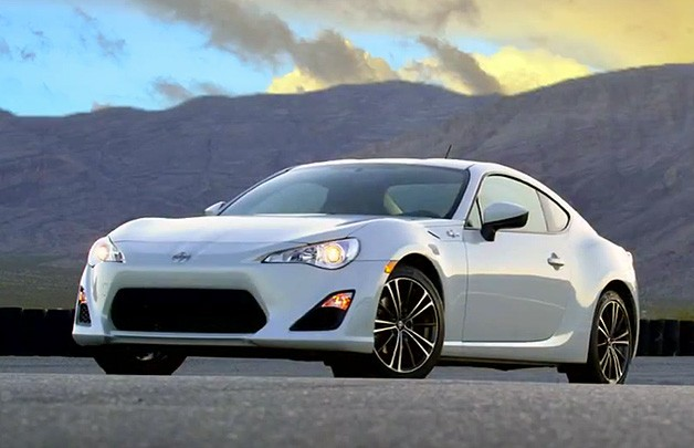 Video: <em>R&amp;T</em> improves Scion FR-S performance with a tire swap - Autoblog