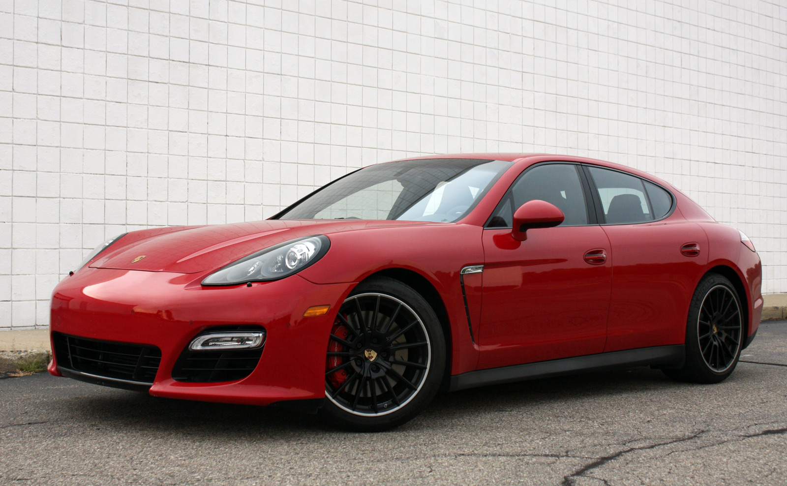 2013 porsche panamera gts autoblog. Black Bedroom Furniture Sets. Home Design Ideas