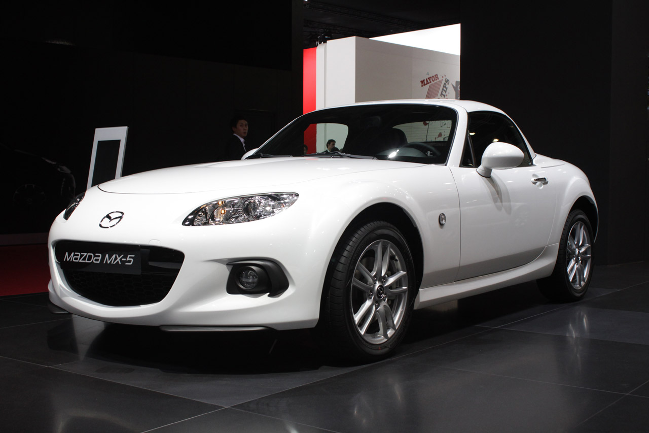2013 mazda mx 5 miata still brings a smile to our faces. Black Bedroom Furniture Sets. Home Design Ideas
