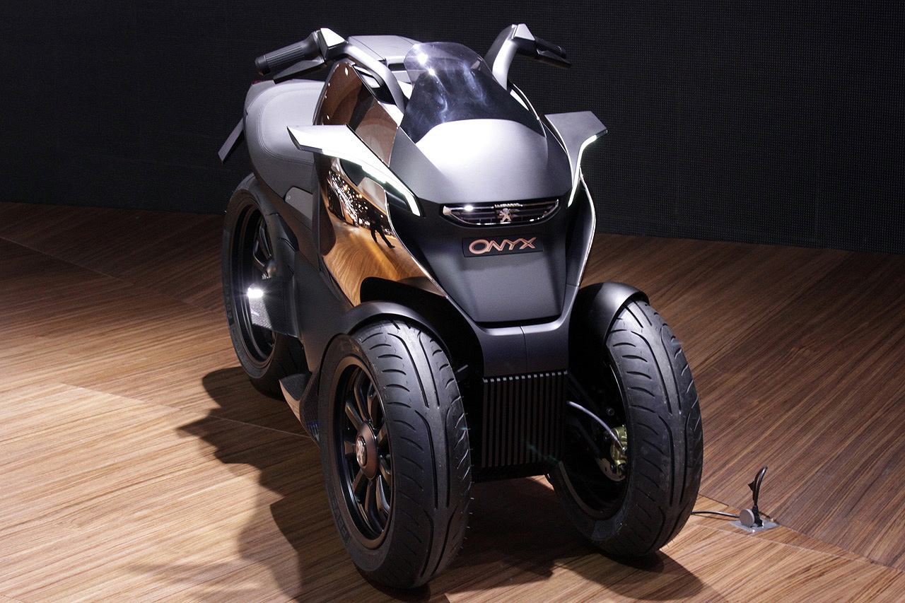 Peugeot Onyx Scooter Concept is half motorcycle, half ...