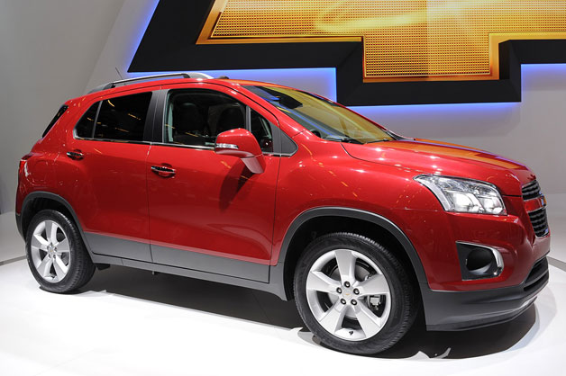 01-2013-chevrolet-trax-paris-opt.jpg