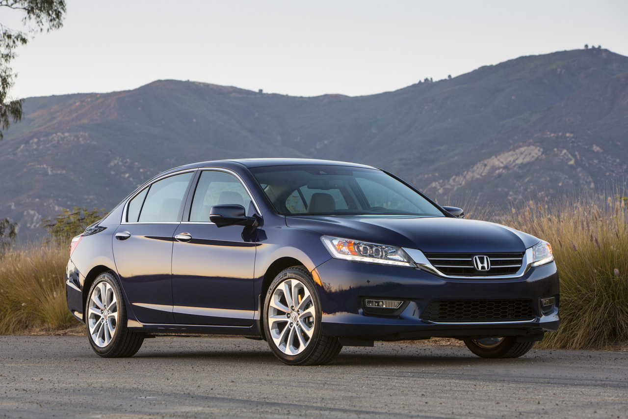2013 honda accord touring sedan photo gallery autoblog. Black Bedroom Furniture Sets. Home Design Ideas