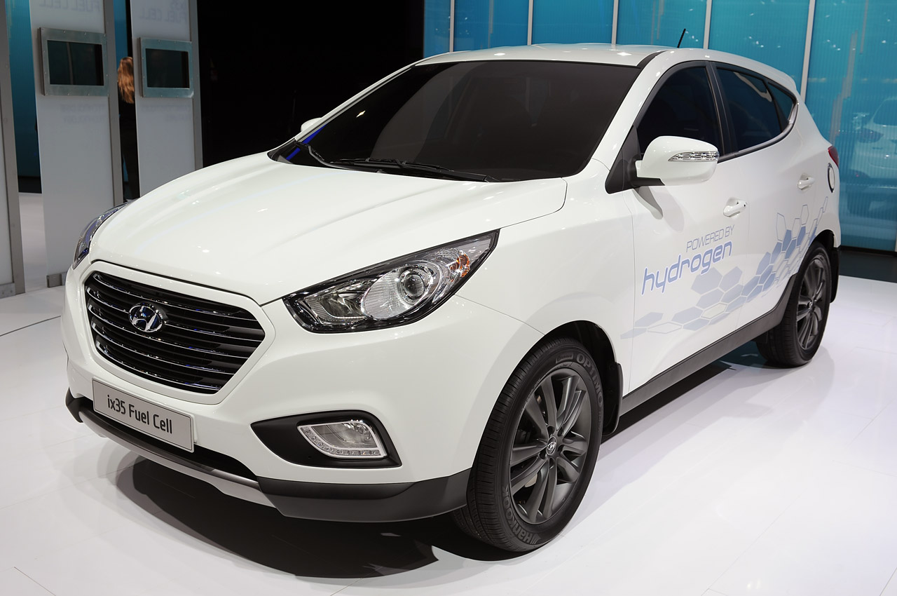 Hyundai Ix35 Lays Claim To World S First Production Fuel