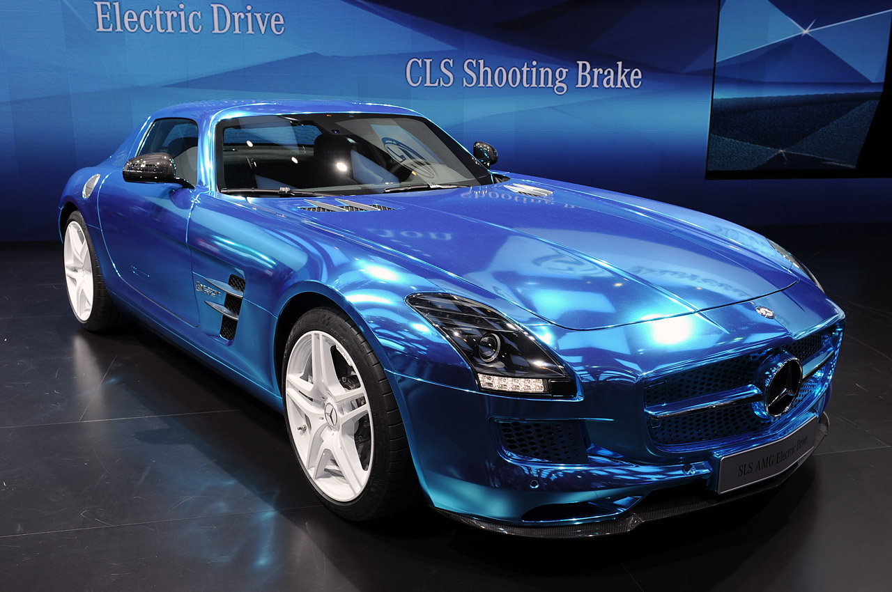 mercedes benz sls amg electric drive offers guilt free zero emission supercar fun for 537k autoblog