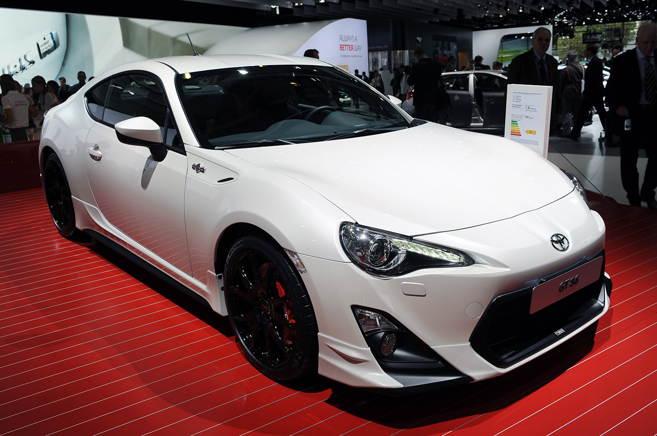 toyota gt86 trd paris 2012 photo gallery autoblog. Black Bedroom Furniture Sets. Home Design Ideas